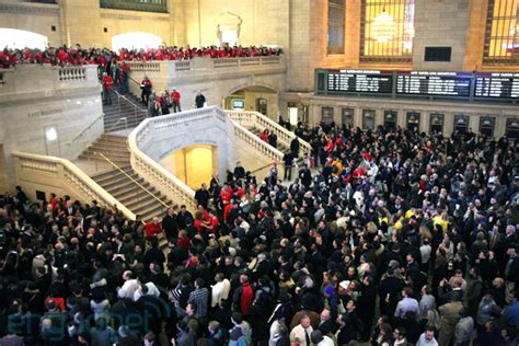 Apple Store Grand Opening Giveaway - apple just arrived at grand central terminal we hop aboard video