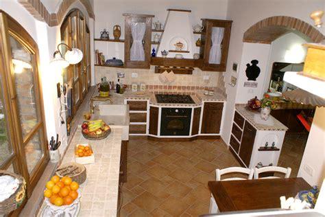 Cucina In Muratura Classica by Cucina Classica In Finta Muratura Pp Cfm003 Mobili Su