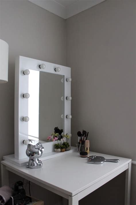Cheap Vanity Desk With Mirror by 17 Best Ideas About Cheap Vanity Table On Diy