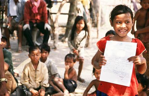Membangun Masa Depan Anak membangun masa depan yang lebih cerah bagi semua anak di