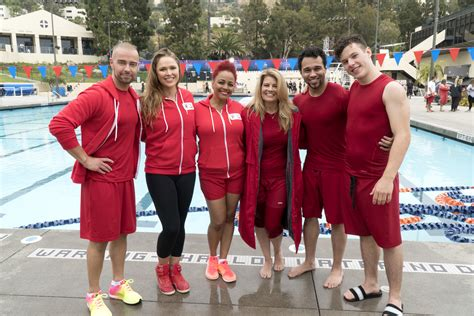 100 home design competition tv shows fox battle of the network stars 100 tv stars announced for