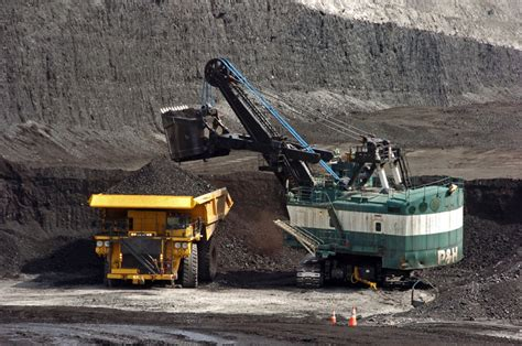 Laid off coal miners on their own after fueling Wyoming ...