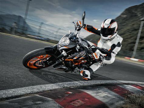 Ktm Duke 390 Tyres Ktm Duke Rc 390 Motorcycle Gets New Mrf Tyres Drivespark