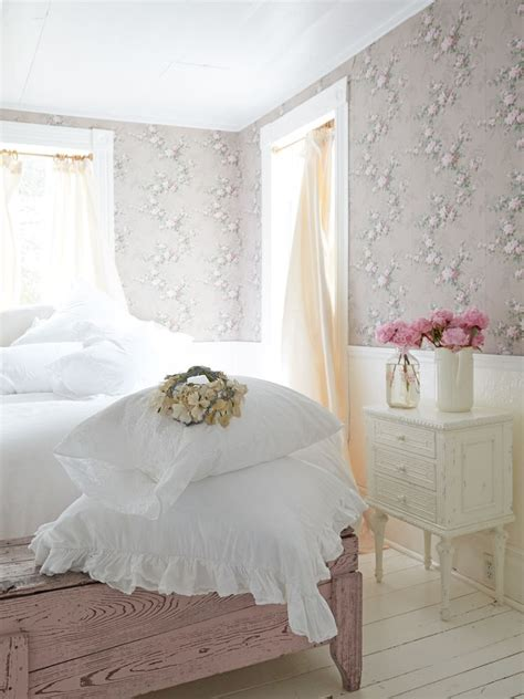 white ruffle bedding best 20 white ruffle bedding ideas on pinterest lace