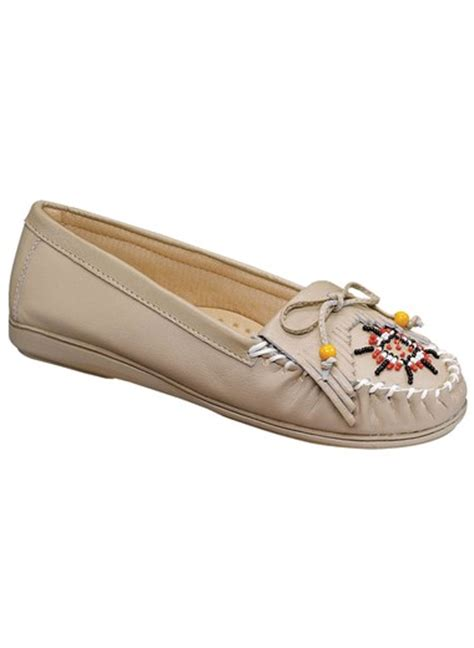 how to bead leather moccasins genuine leather beaded moccasins drleonards