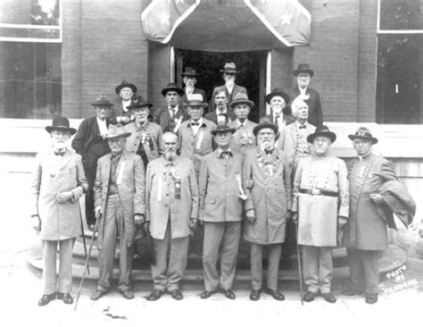 Court Records Gainesville Fl Florida Memory Confederate Veterans On The Steps Of The