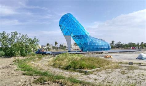 taiwan church shaped like a shoe find out why this church in taiwan is shaped like a shoe