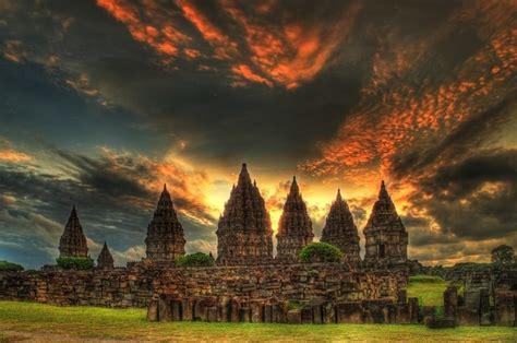 Fantasis Foto Di Pinggir prambanan candi hindu wisata yogyakarta