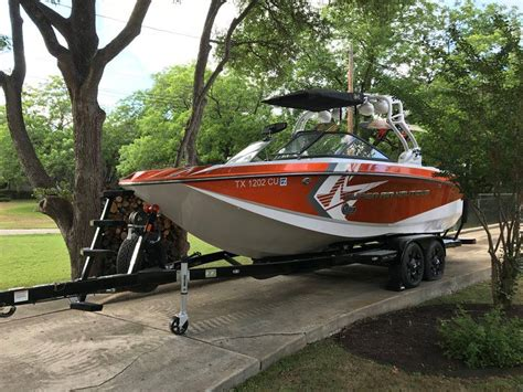 lake travis boat rentals with captain atx boat rentals