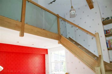 Contemporary Banisters Glass Balustrading Oak Handrail With Glass Toughened Glass