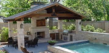 Outdoor living waterscapes