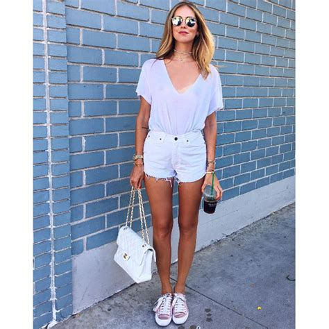 Chiarra Ferragni Basic Shirt Ck1236 10 approved ways to wear your basic white t shirt