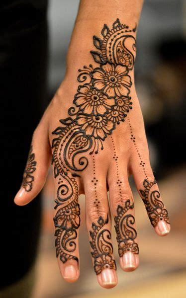 indian henna tattoo buy best 25 henna ideas on henna