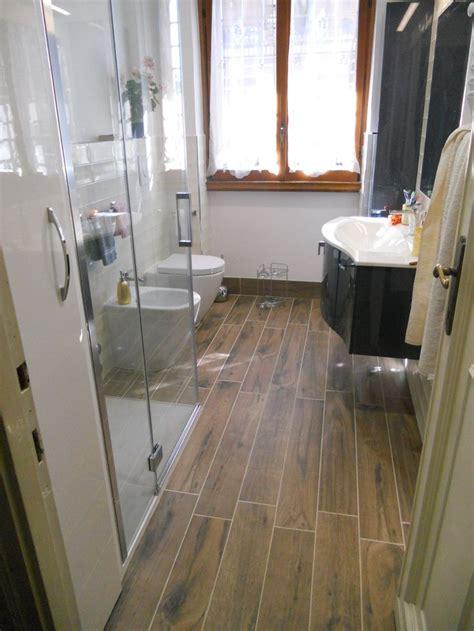 pavimento e rivestimento bagno oltre 1000 idee su rivestimento per vasca da bagno su
