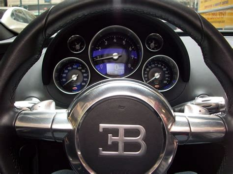 bugatti speedometer bugatti veyron gold and wallpaper 2048x1536 5080