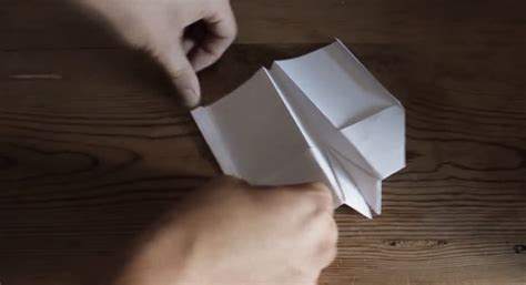 How To Make A Paper Airplane That Loops - how to make a paper airplane fly in an infinite loop