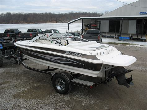 larson boats sei 180 ski n fish vec v6 power nice one - Larson Boats Vec