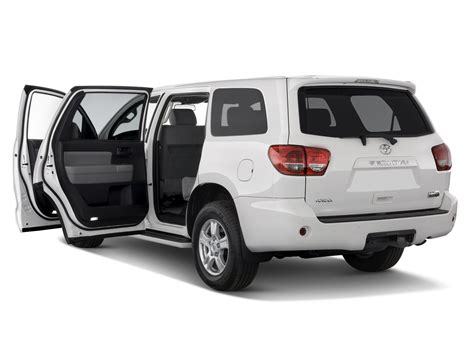 Sequoia Toyota 2015 2015 Toyota Sequoia Reviews And Rating Motor Trend