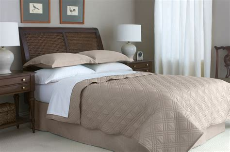 hotel bed coverlets 66 quot x 86 quot martex suites staybright diamond quilted