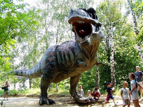 nama film dinosaurus burung hidup di zaman dinosaurus dhezna world bertemu
