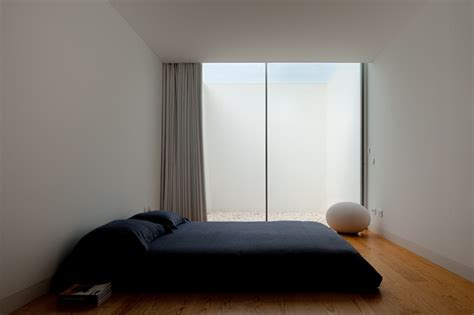 windowless bedroom house with the simplest of forms
