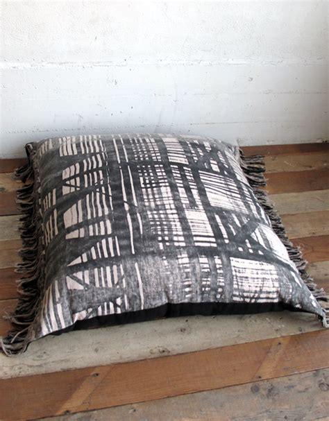 Pillows To Sit On by Pillows You Sit On Homes Decoration Tips