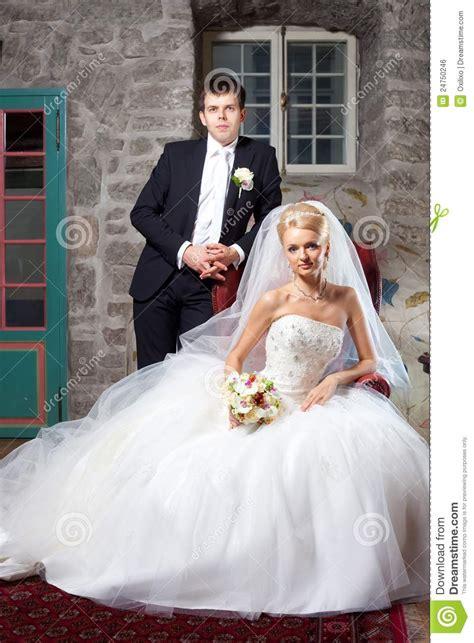 Braut Und Br Utigam by Sch 246 Ner Br 228 Utigam Und Braut Im Innenraum Stockfoto Bild