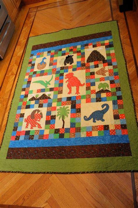 Dinosaur Quilt by Dinosaur Quilt Pattern Dinosaurs On Baby
