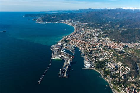 savona porto porti sprechi ed errori in liguria greenreport