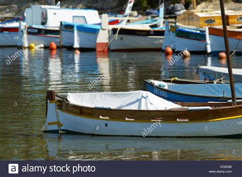 traditional fishing boat names pointu traditional fishing boat stock photos pointu
