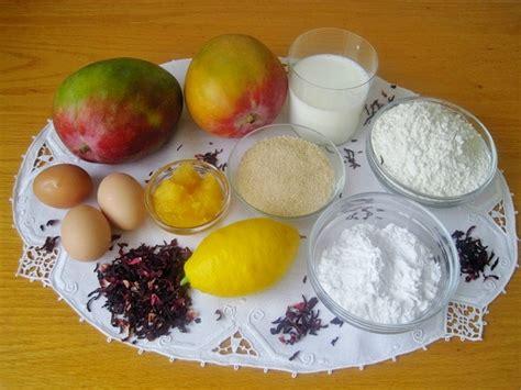 plumcake all ibisco con salsa di mango un dolce soffice e