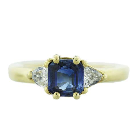 King Saphir Cutting Bawah 18k yellow gold emerald cut sapphire ring boca raton