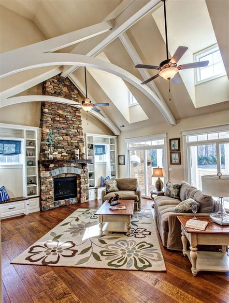 house plans with vaulted great room best 25 cathedral ceilings ideas on cathedral ceiling bedroom country master