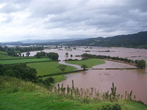 what are floodplans dredging drainage and defra a flooding glossary
