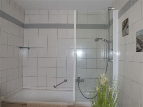 glaswand badewanne ferienwohnung schr 246 der markgr 228 flerland mit n 228 he zu basel
