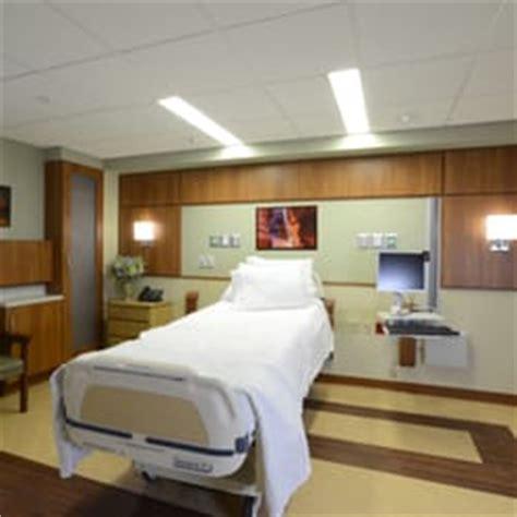 winthrop emergency room amita health adventist center glenoaks 20 reviews hospitals 701 winthrop ave