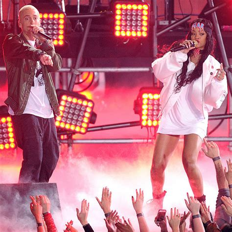 eminem us tour eminem and rihanna kick off monster tour with 50 song show
