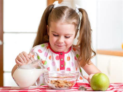 alimentazione bimbo 3 anni quali cibi per il bambino di 4 anni bimbi sani e belli