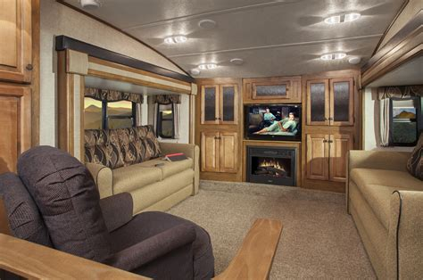 Front Living Room Fifth Wheels