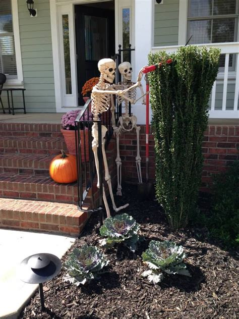 31 creepy and cool yard d 233 cor ideas digsdigs