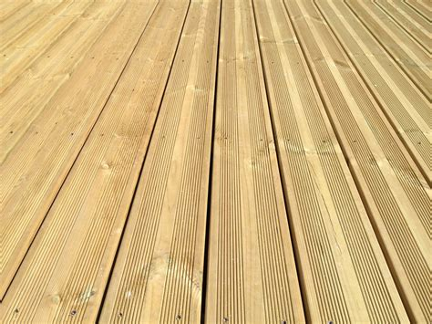 Lame De Terrasse En Pin lames terrasse pin 27x145mm trait 233 cl4 vert selection bois