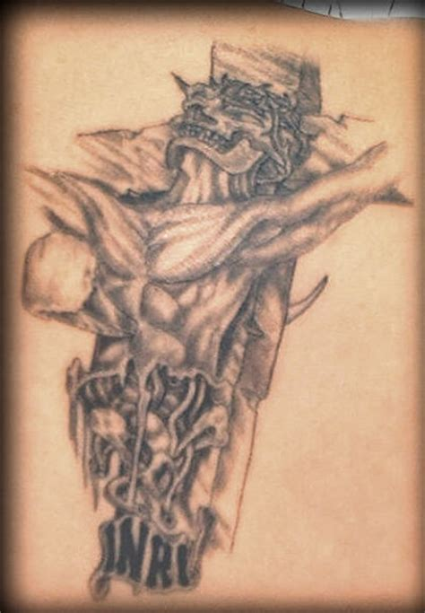 tatouage croix old tatouage de croix crucifix