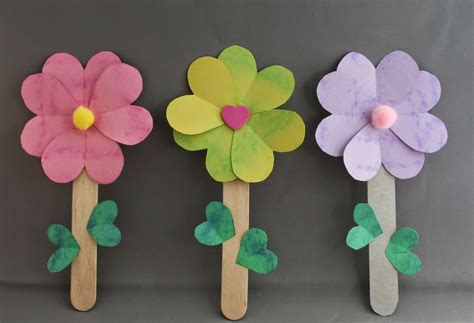 How To Make Paper Flowers Out Of Construction Paper - kiddie craftz monday pink day crafts