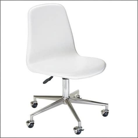 white fluffy desk chair white fluffy area rug rugs home design ideas