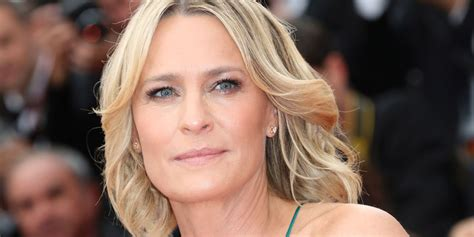 what to know about robin wrights house of cards style robin wright still isn t receiving equal pay for house of