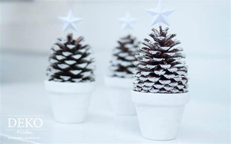 diy grosse  sterne als anhaenger fuer weihnachtsdekos