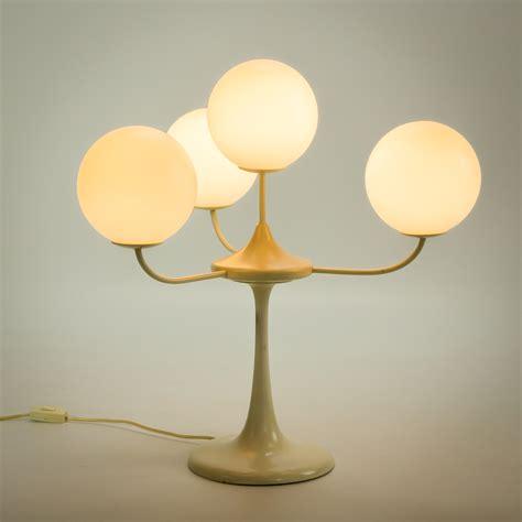 retro l bollen wit elegant mg l us tafell met opaal glazen bollen top