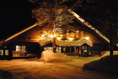 licht im haus kostenlose foto schnee winter licht nacht haus