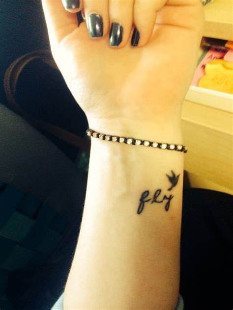 small bird tattoo on wrist small bird wrist bird wrist