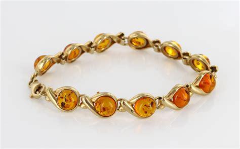 Classe Bracelet Italy Designed italian made baltic bracelet in 9ct gold gbr098